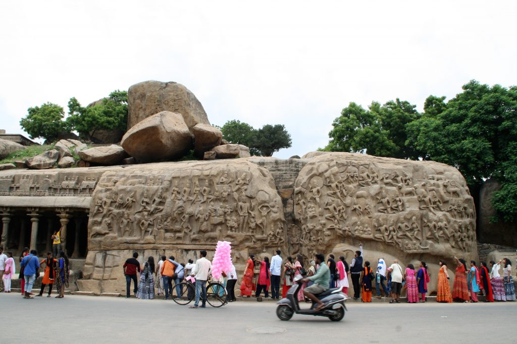Coborârea Gangurilor sau a Penitenței lui Bagiratha - o sculptura uriașă în aer liber
