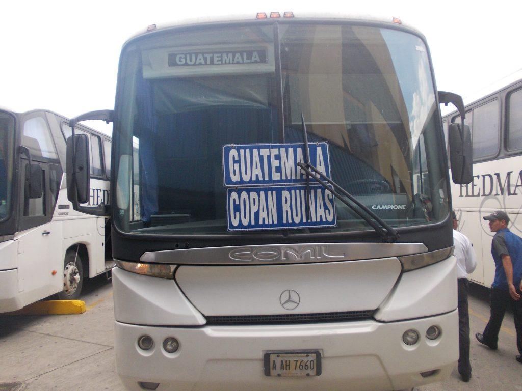Autobusele pentru turisti sunt moderne