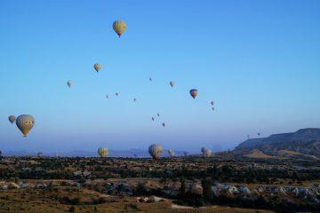 zburand cu balonul peste Cappadochia